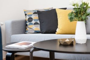 Le home staging consiste à dépersonnaliser votre décoration pour permettre à vos futurs acquéreurs de plus facilement se projeter.