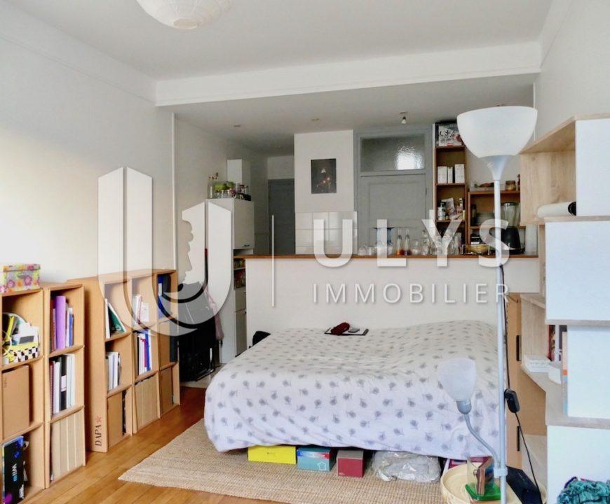 Rue d'Amsterdam, Studio Meublé, 31 m²