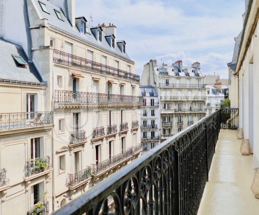 Littré – Appartement 5 Pièces Meublé, 105 m², avec balcon filant